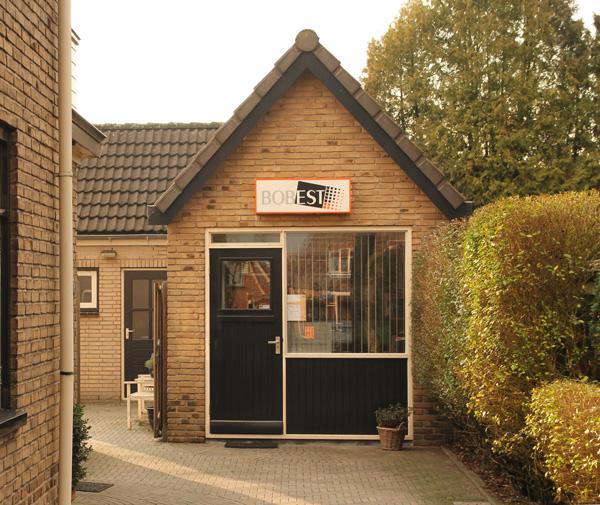 Administratiekantoor aan de Jachtlaan, Apeldoorn-West